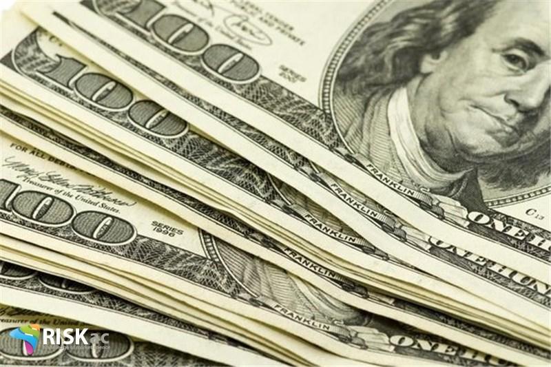 امریکا سالانه 5000 میلیارد دلار بهره می دهد