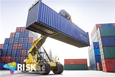 ریسک کاهش صادرات و قیمت نفت بر اقتصاد