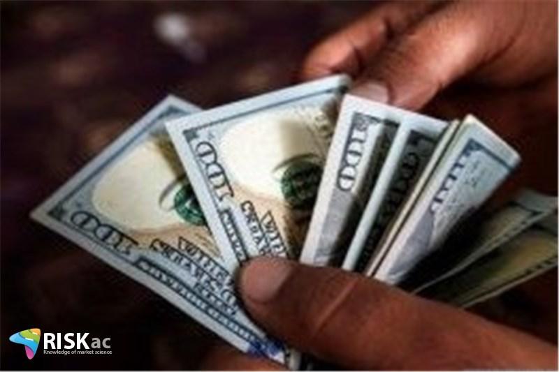دلار در بازار جهانی پنج بار سقوط کرده است