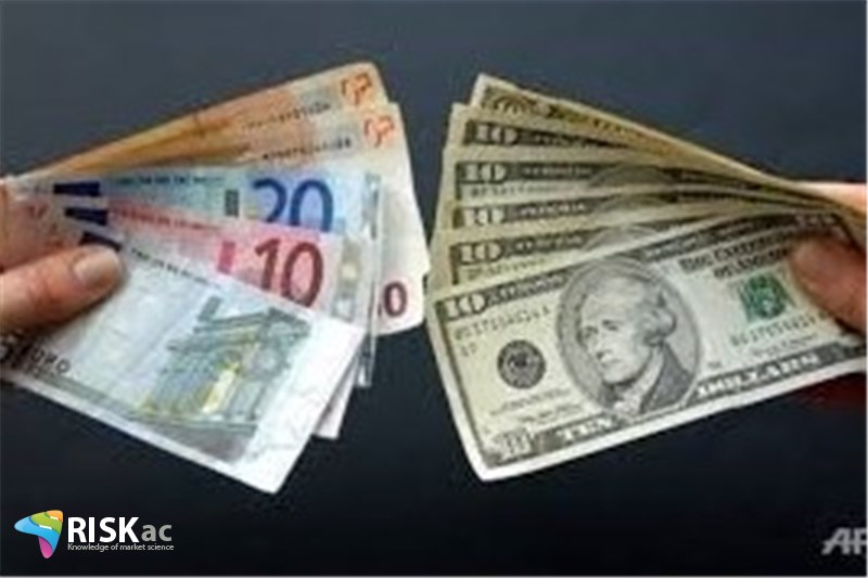 چه موقع یورو در مقابل دلار کاهش ارزش پیدا می کند