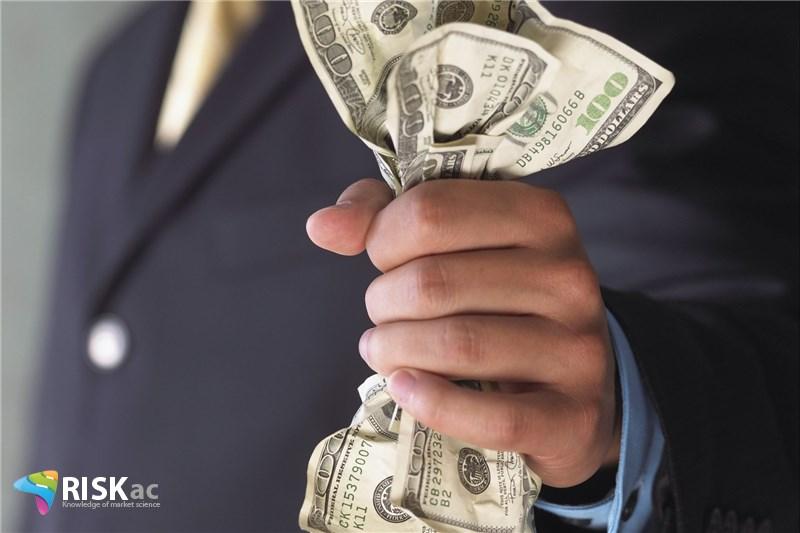 ریسک سرمایه درگیر و فروش