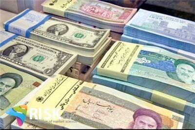 دولت نسبت عرضه دلار و نقدینگی را مدیریت نمی کند